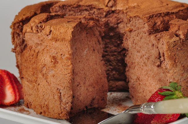 Chocolate angel food cake joyofbaking video recipe forumfinder Choice Image