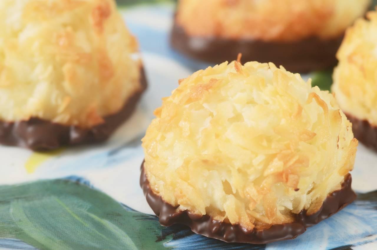 Coconut Macaroons Recipe Amp Video Joyofbaking Com Video
