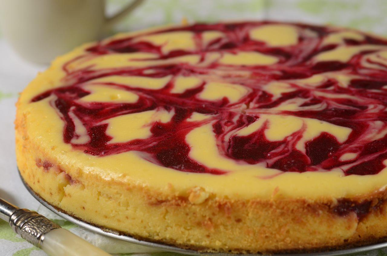 White Chocolate Strawberry Cheesecake Recipes