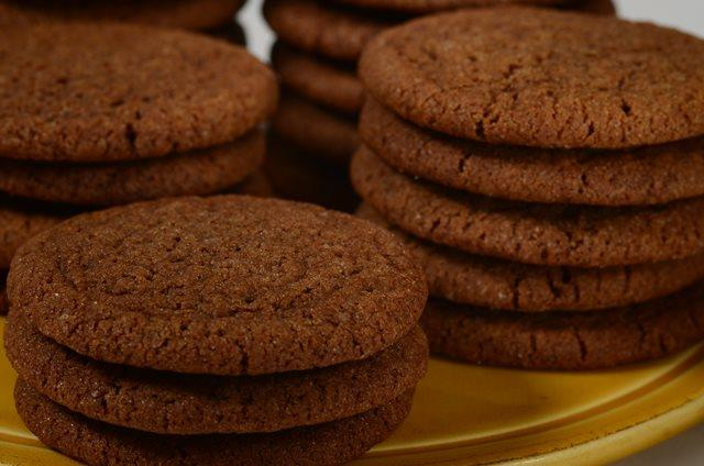 Gingersnap Cookies Recipe Joyofbaking Com Video Recipe