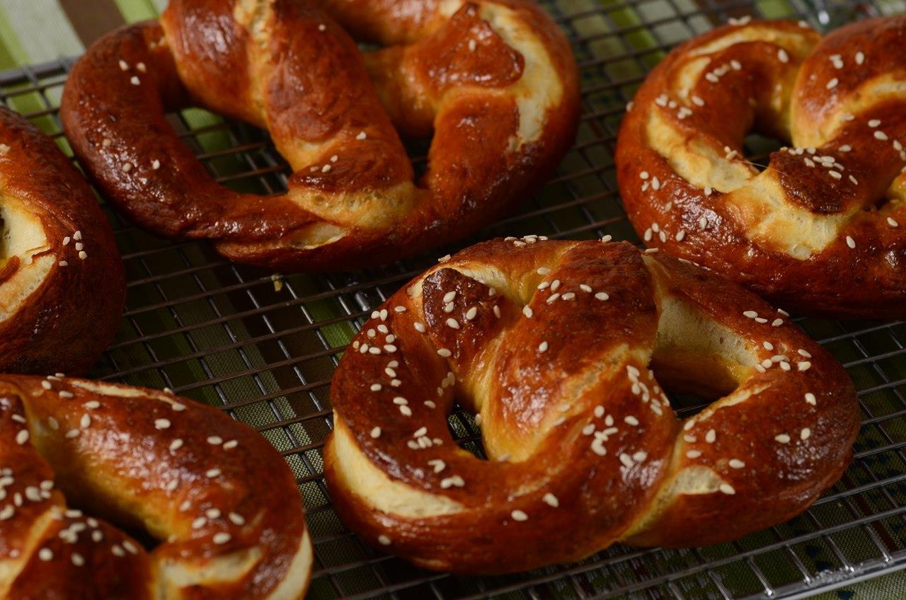 Homemade Pretzels Recipe Joyofbaking Com Video Recipe