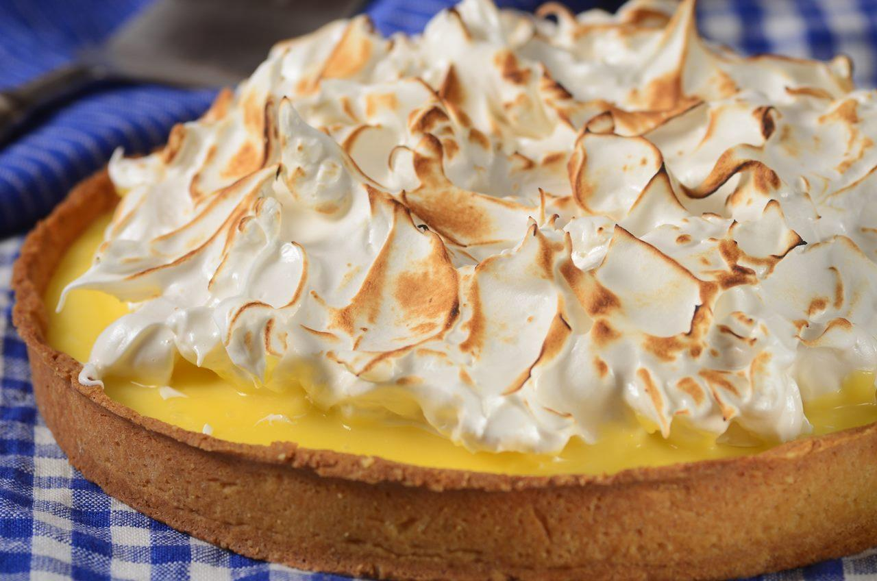 Lemon Meringue Tart - Joyofbaking.com *Video Recipe*