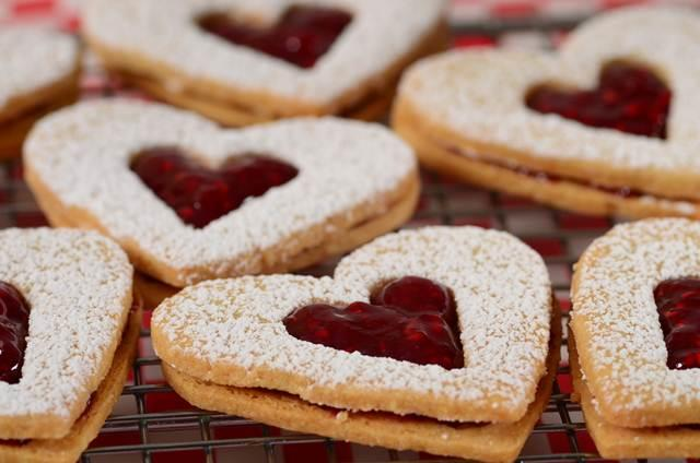 Linzer Cookies Recipe Joyofbaking Com Video Recipe