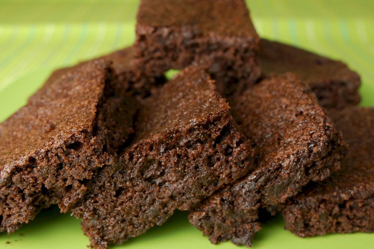 Low-Fat Brownies - Joyofbaking.com