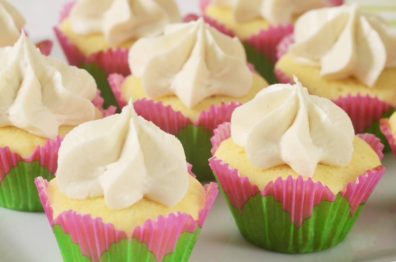 Mini Vanilla Cupcakes Recipe & Video