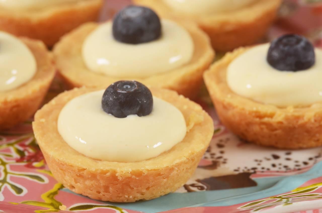 Shortbread Tarts w/Cream Filling - Joyofbaking.com *Video ...