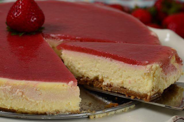 Cake With Cheesecake Layer And Jelly Top
