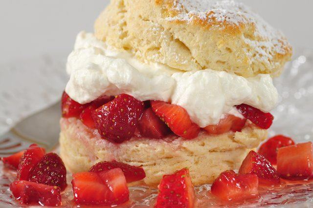 Strawberry Shortcake Recipe Joyofbakingcom Video Recipe