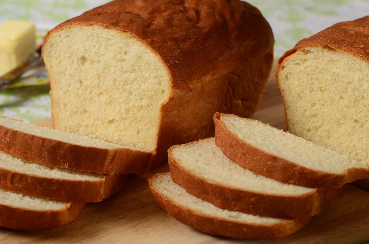 White Sandwich Bread RecipeJoyofbaking.com *Video Recipe*