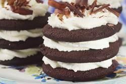 Icebox Cupcakes Recipe- Joyofbaking.com